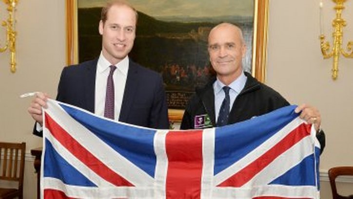El Príncipe William junto a su amigo el explorador.
