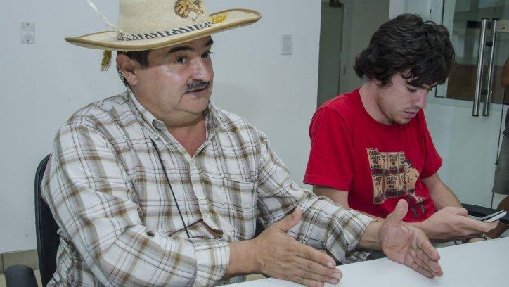José Villareal llegó a El Tribuno para denunciar la situación