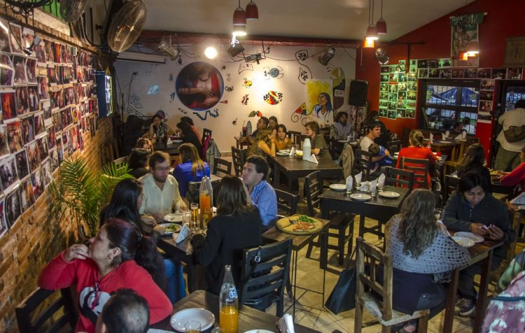 El interior del Bar La Musa. Pablo Yapura