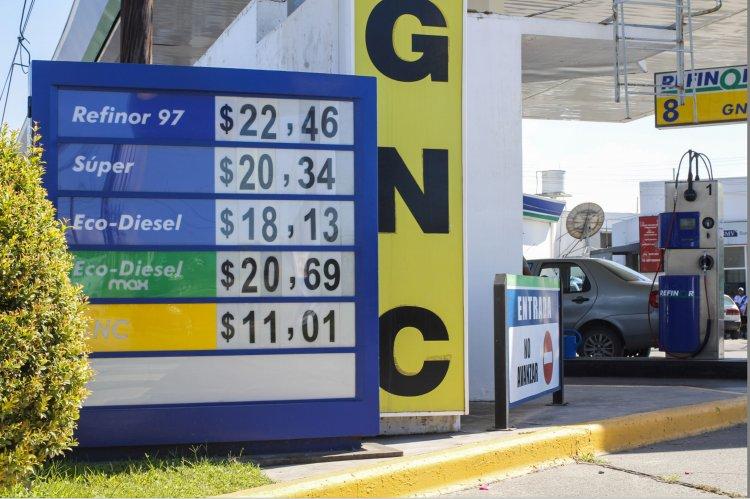 Refinor también cambió el precio de todas sus naftas a partir de hoy con el aumento del 8 por ciento.
