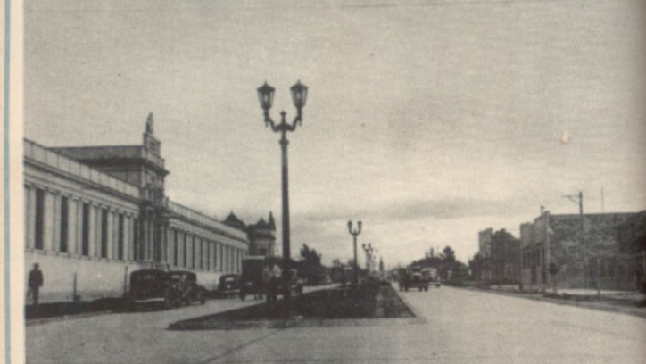 La pavimentación de la avenida Sarmiento se finalizó en el año 1939. Archivo