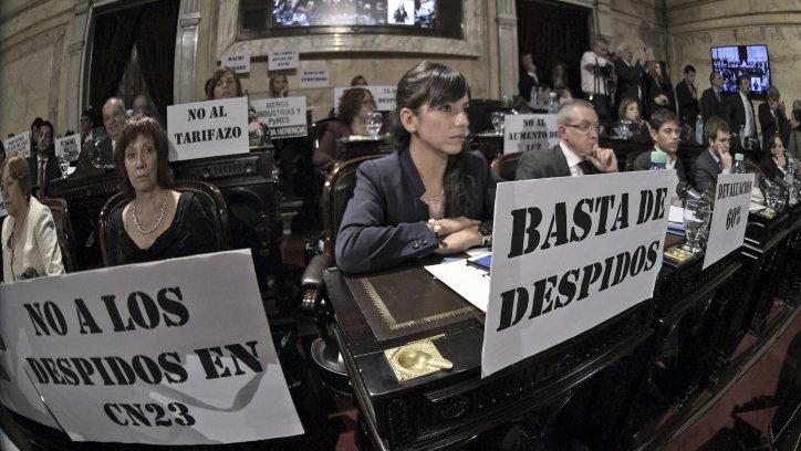 Legisladores opositores, en la apertura de sesiones ordinarias.