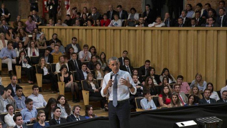 Barack Obama, durante su disertación ante jóvenes líderes argentinos. AP