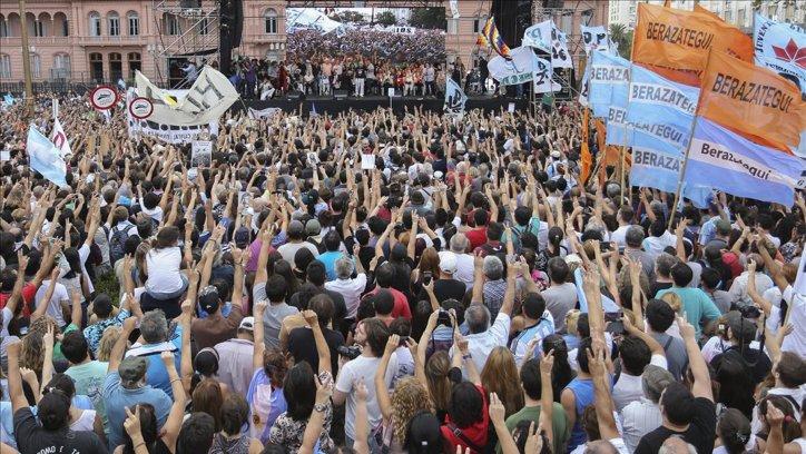 El acto central fue en Buenos Aires. Organizaciones de derechos humanos cuestionaron a Macri