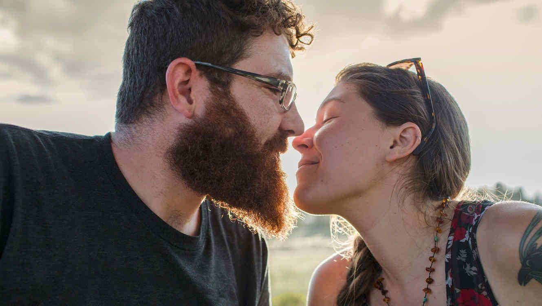 0f582209bfaf Afirman que besar a un hombre con barba tiene más gérmenes que un perro