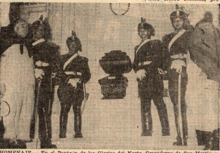 25 de mayo de 1960. La urna funeraria de Arenales, en el Panteón de las Glorias del Norte.