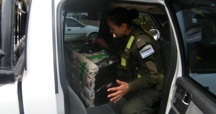 En distintos procedimientos en Orán, la Gendarmería incautó más de 1000 kilos de hojas de coca.