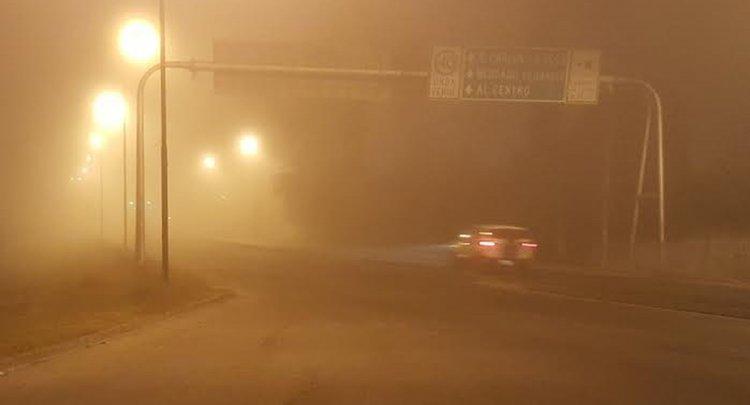 La visibilidad es casi nula, a los automovilistas se les recomienda manejar con sumo cuidado.