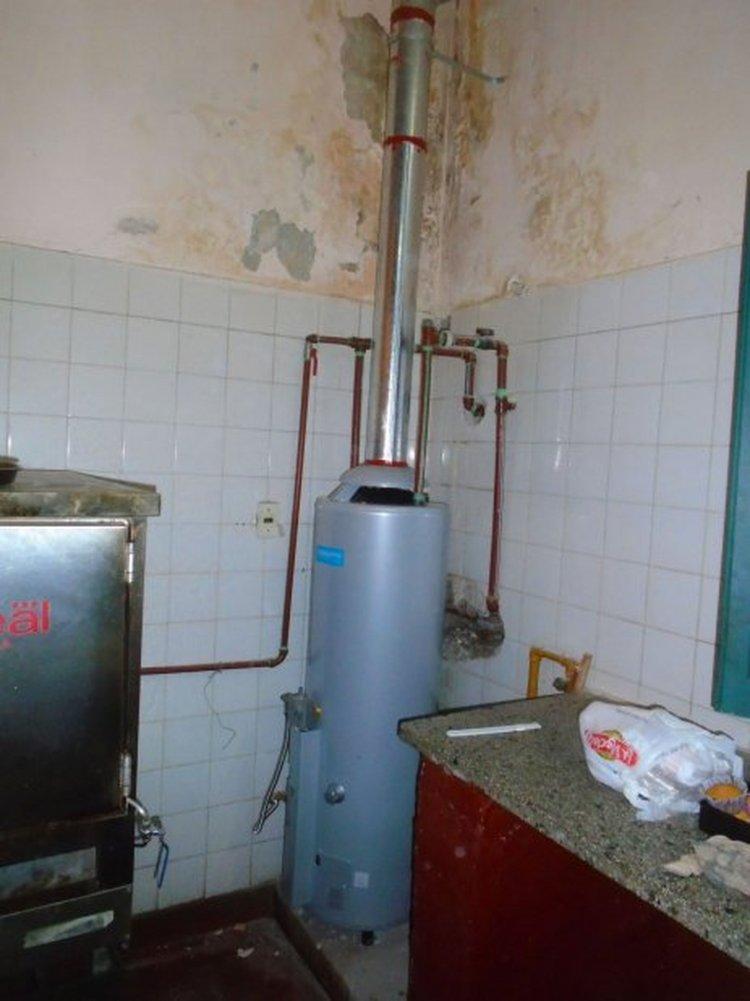 El termo tanque con el cual cuenta Sala para tener agua caliente.
