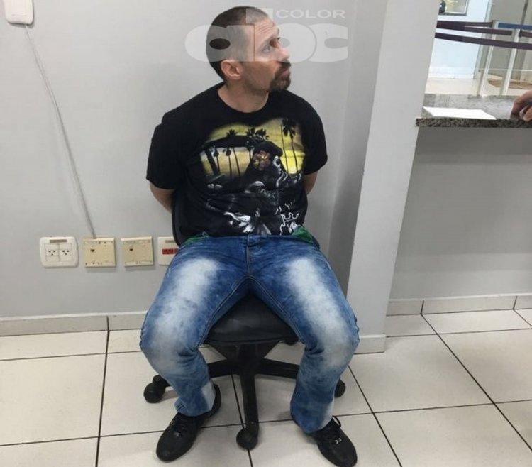 Así está Pérez Corradi luego de ser detenido en Brasil, en la zona de la Triple Frontera. Foto ABC Color de Paraguay.