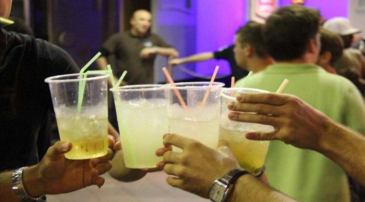 El alcohol, una droga legal con fuerte penetración en jóvenes.