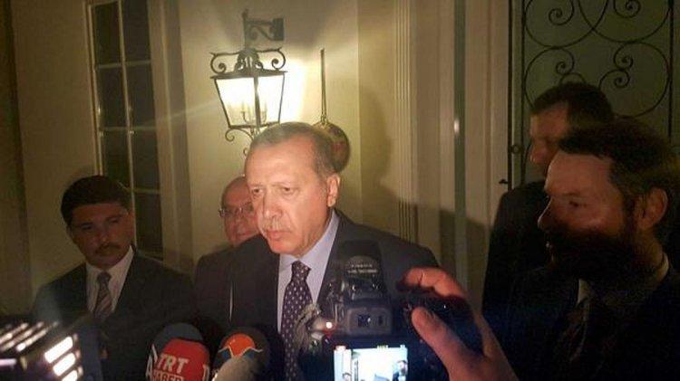 Recep Erdogan habla con los medios turcos. Foto: Reuters