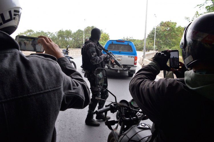 Efectivos brasileños durante parte de los operativos en los que detuvieron a los presuntos terroristas del Estado Islámico.