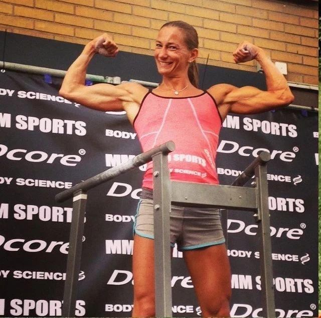 Mikaela Kellner, además de policía es entrenadora y practicante de crossfit.