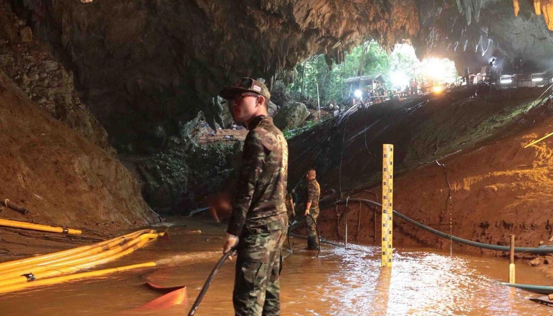 Se reanuda el mega operativo en la cueva de Tailandia en medio de ...