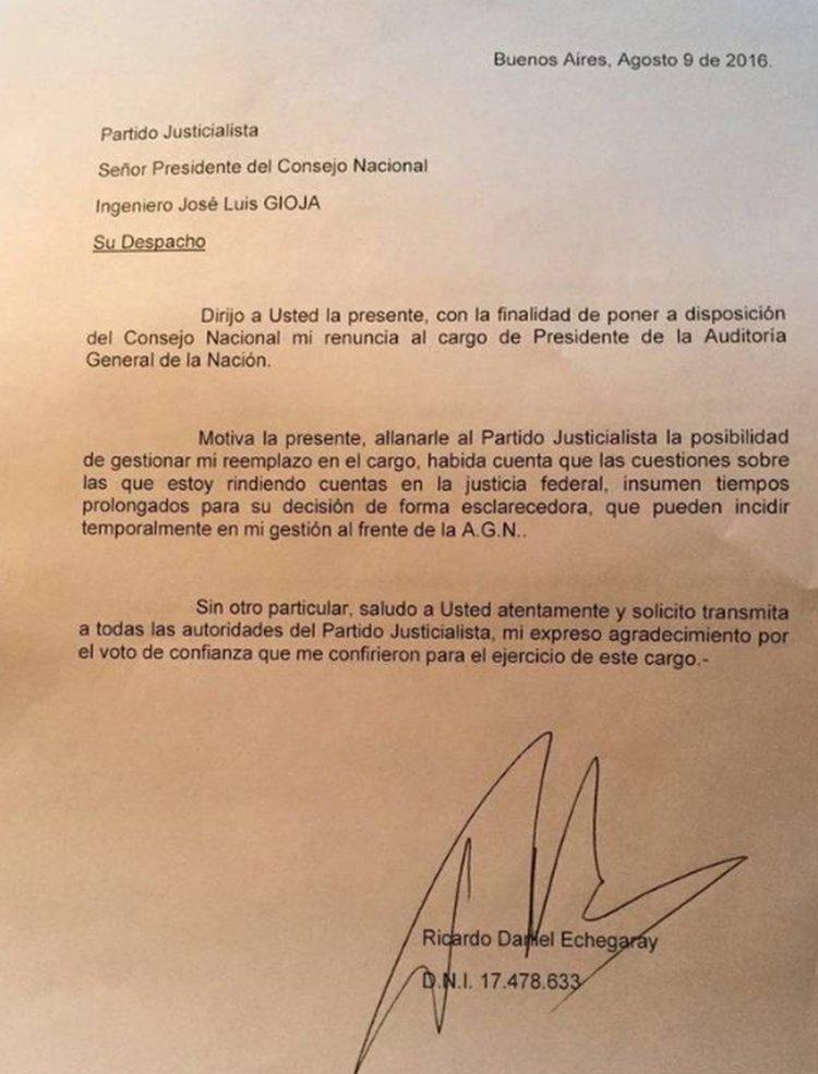 La carta de renuncia de Ricardo Echegaray.
