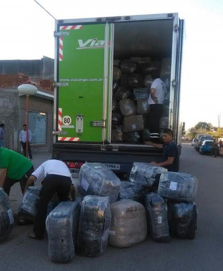 La Dirección General de Rentas de Salta incautó ropa y zapatillas transportadas de manera ilegal.