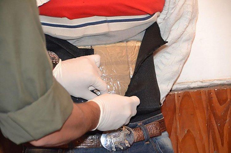 En total la Gendarmería secuestró 6 paquetes de cocaína.