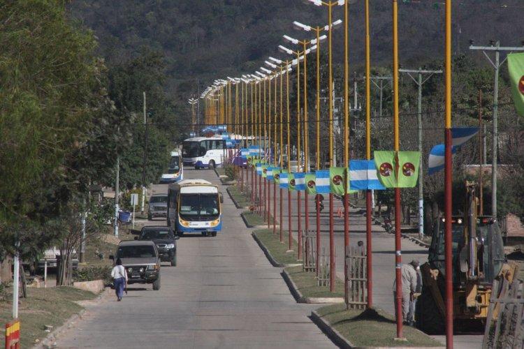 La avenida Moreno, entrada principal a la localidad.