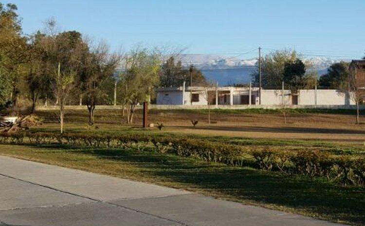Los cerros que rodean a Salta totalmente nevados. Una postal que nos regaló hoy nuestra ciudad.