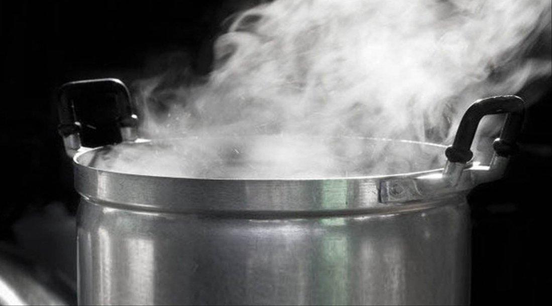 Un ni o de un a o se quem la cara con agua hirviendo - Chimeneas electricas con vapor de agua ...