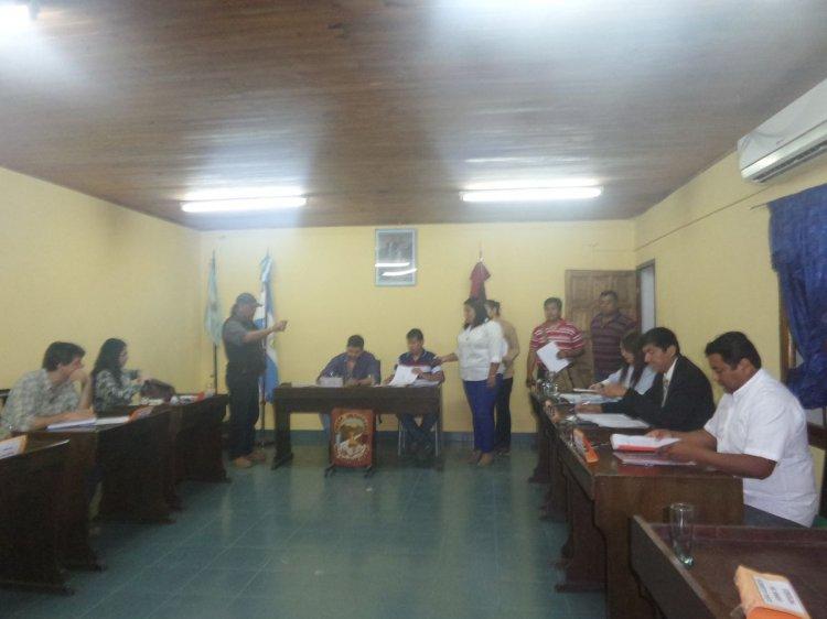Sesión en el Concejo Deliberante de Salvador Mazza. Foto: Gentileza FM Guapel