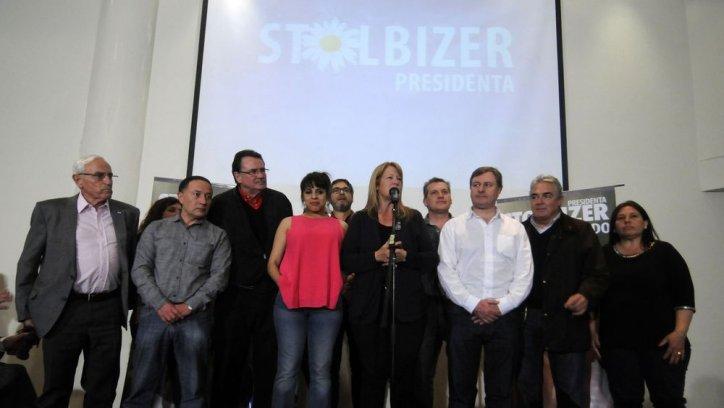 Margarita Stolbizer junto a su equipo del Frente Progresistas. Foto DYN