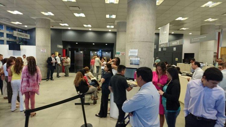 Los empleados de la AFIP llevan a cabo una Asamblea en la Calle Deán Funes. Será por espacio de dos horas.