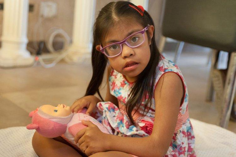 Fernanda mejoró su salud desde que tiene a su familia. Foto: Jan Touzeau