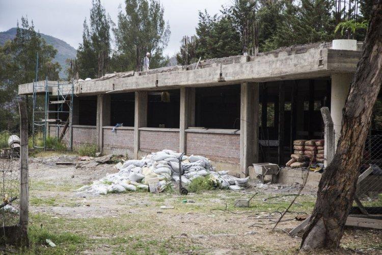 El edificio nuevo para el Instituto de Patología Experimental está en construcción hace cuatro años. Foto: Andrés Mansilla
