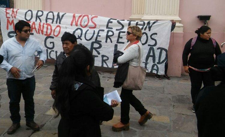 Protesta en la Catedral de Salta pidiendo seguridad en Orán.