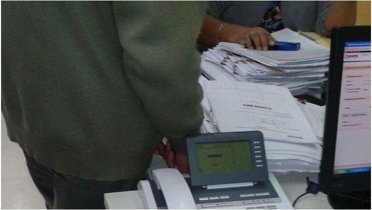 """Denuncia de expedientes """"cajoneados"""" en PAMI. Foto enviada a través de WhatsApp El Tribuno"""
