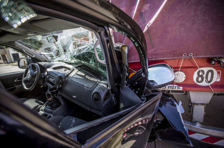 La cabina de la camioneta Amarok totalmente destruida.
